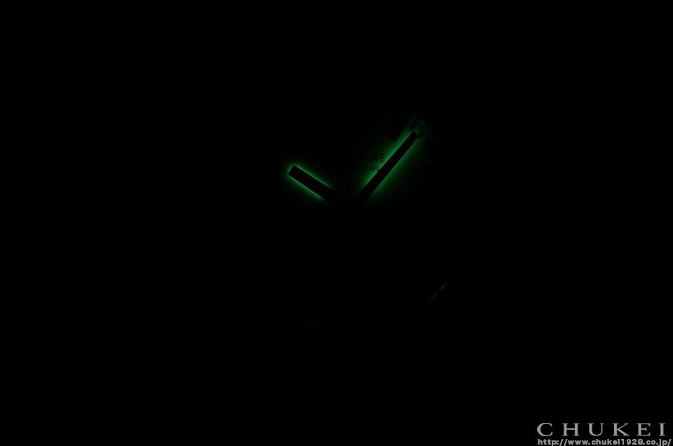 モンディーンジャイアントブラックライト夜光