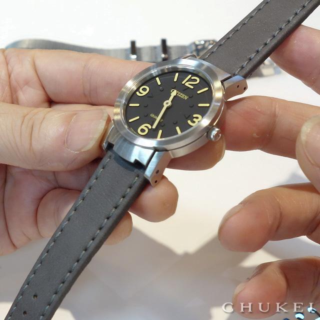 シチズン視覚障害者対応時計アッ220-55Eのストラップ交換 モレラート アベーテ グレー