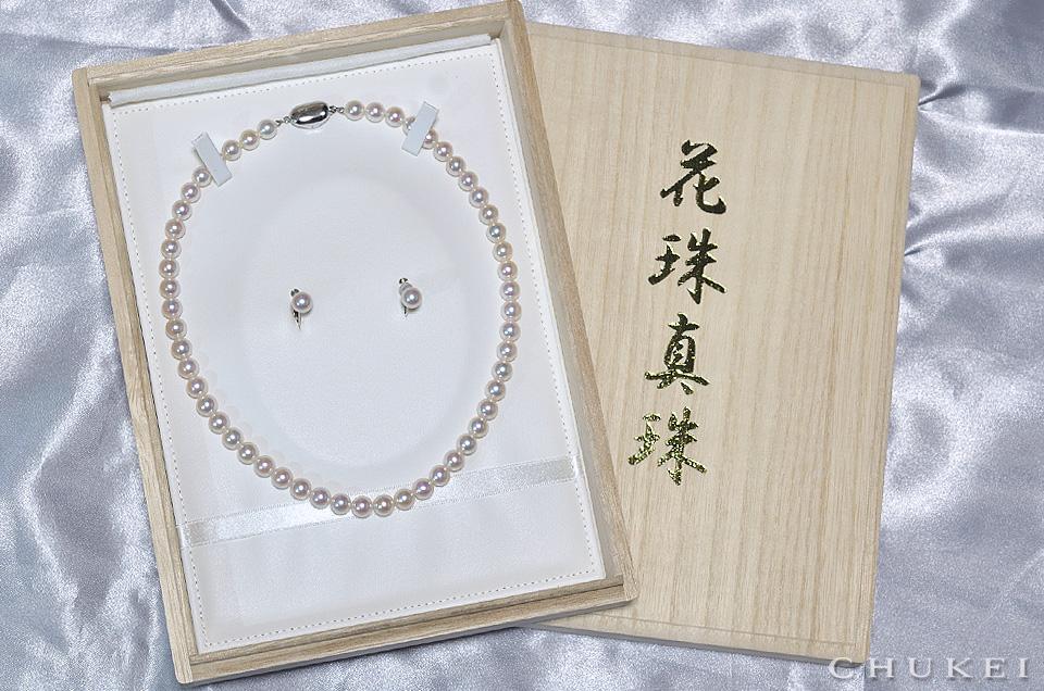 桐箱入りの花珠セット