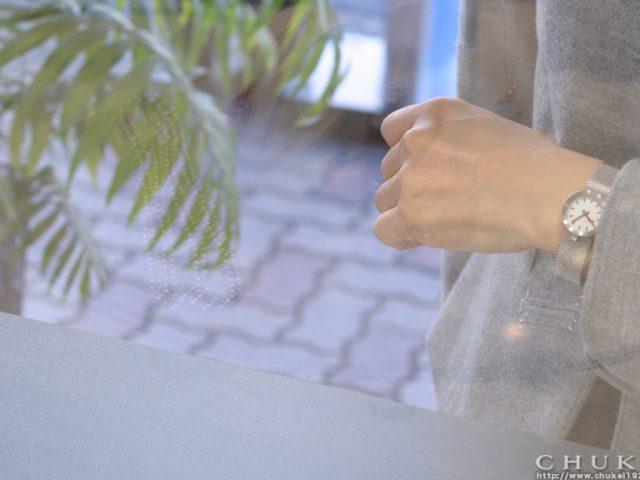 モンディーン アウラ ホワイト メッシュブレスで着装 03